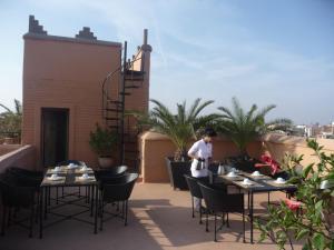 Restaurant ou autre lieu de restauration dans l'établissement Riad Matham