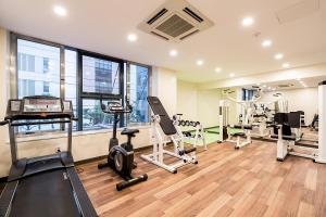 The fitness center and/or fitness facilities at Korea Tourist Hotel