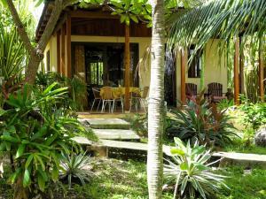 A garden outside Casas Pelicano