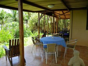 A restaurant or other place to eat at Casas Pelicano