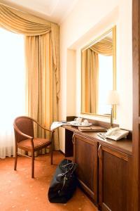 Гостиная зона в Ermitage Hotel