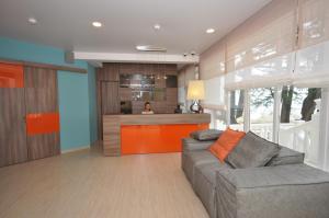 The lobby or reception area at Hotel Blumarin