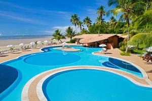A view of the pool at Hotel Karapitangui or nearby