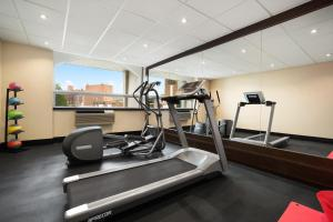The fitness center and/or fitness facilities at Days Inn & Suites by Wyndham North Bay