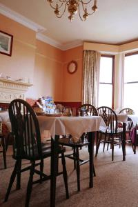 A restaurant or other place to eat at Abbey Guest House