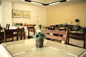 A restaurant or other place to eat at Hotel Gaivota