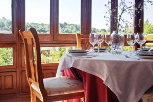 Un restaurante o sitio para comer en Posada Real El Sendero del Agua