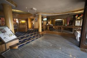 The lobby or reception area at Royal Cambridge Hotel