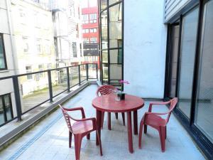Rõdu või terrass majutusasutuses Volta Apartments Jõe