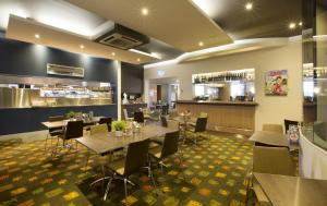 A restaurant or other place to eat at Nightcap at St Albans Hotel