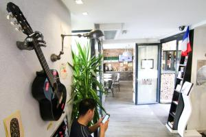 The fitness center and/or fitness facilities at The Loft Boutique Hostel