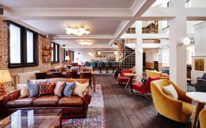 Lounge oder Bar in der Unterkunft The Hoxton, Amsterdam