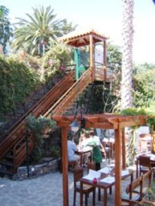 Een restaurant of ander eetgelegenheid bij Vila Ventura