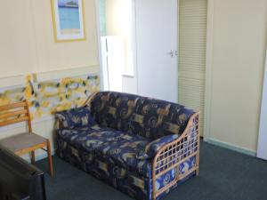 A seating area at Pacific Motor Inn