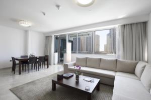 Część wypoczynkowa w obiekcie La Verda Suites and Villas Dubai Marina