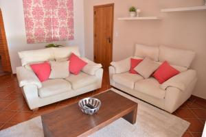 A seating area at Break Holidays House