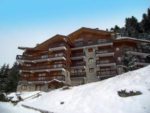 Residence Olympie II during the winter