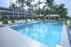 The swimming pool at or close to Hotel Lux