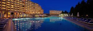 Бассейн в Sol Nessebar Palace Resort & Aquapark - All inclusive или поблизости
