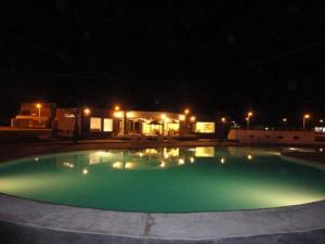 The swimming pool at or close to Nuevo Paracas