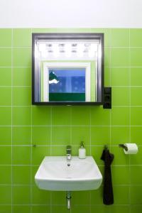 A bathroom at Essential Hostel