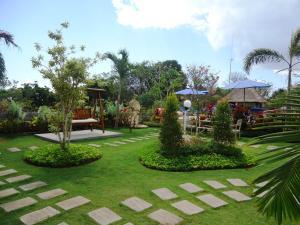 A garden outside Harta Lembongan Villas