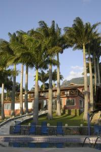The swimming pool at or near Pousada Singuitta - Ilhabela