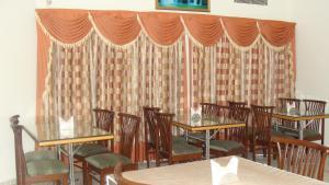 Ресторан / где поесть в Madhuvan Hotel