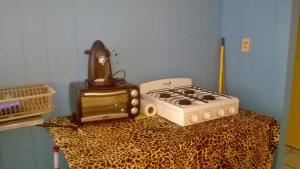A kitchen or kitchenette at Casa Frida