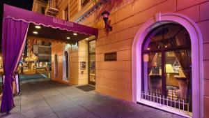 The facade or entrance of Hotel Bijou