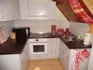 Küche/Küchenzeile in der Unterkunft Ferienwohnung Unger