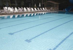 المسبح في فندق كوزموبوليتان أو بالجوار