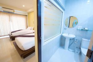 A bathroom at Maryo Resort