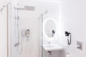 Salle de bains dans l'établissement Vatican Grand Suite