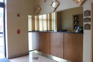 The lobby or reception area at Bellerose Inn