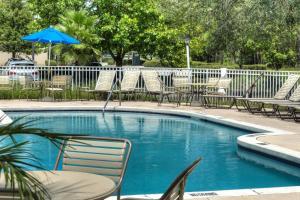 デスティニー パームズ ホテル メインゲート ウエストの敷地内または近くにあるプール