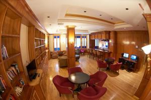הלאונג' או אזור הבר ב-Hotel St. James
