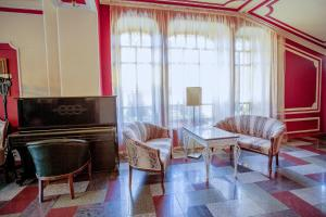 A seating area at Selivanov Hotel