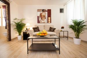 A seating area at Apartments Villa Bianca