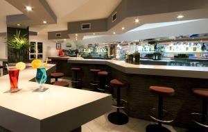 Lounge nebo bar v ubytování Hostal Montesol