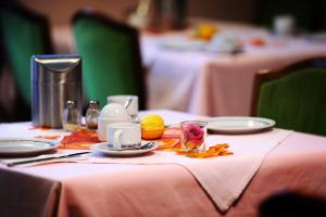 A restaurant or other place to eat at Hotel Herzog Garni