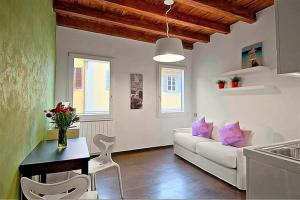 A seating area at Apartments Florence - San Gallo 3