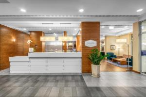 The lobby or reception area at Hampton by Hilton Świnoujscie