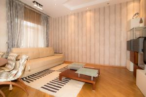 A seating area at Apartment Expert-City Kutuzovskiy