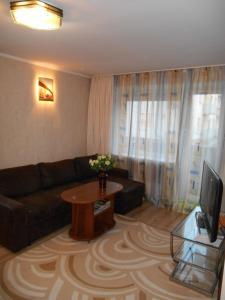A seating area at Apartments at Chernyakhovskogo 18