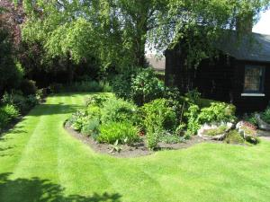 A garden outside Thompsons Cottage