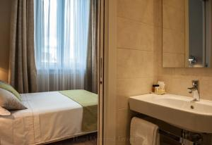 A bathroom at Hotel Universal