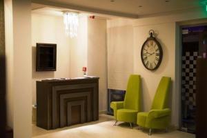 Ο χώρος του λόμπι ή της ρεσεψιόν στο Hotel Aheron