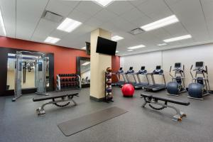 The fitness centre and/or fitness facilities at Hampton Inn Times Square Central