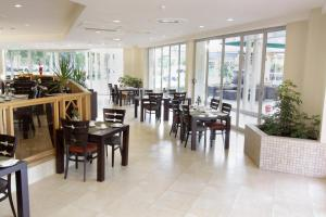 A restaurant or other place to eat at Cresta Lodge Gaborone